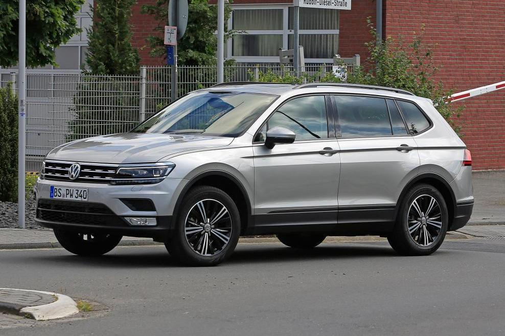 spyshots tiguan xl 2017 le tiguan 7 places d couvert photo 3 l 39 argus. Black Bedroom Furniture Sets. Home Design Ideas