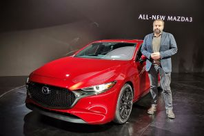nouvelle mazda 3 2019 rouge au salon de los angeles