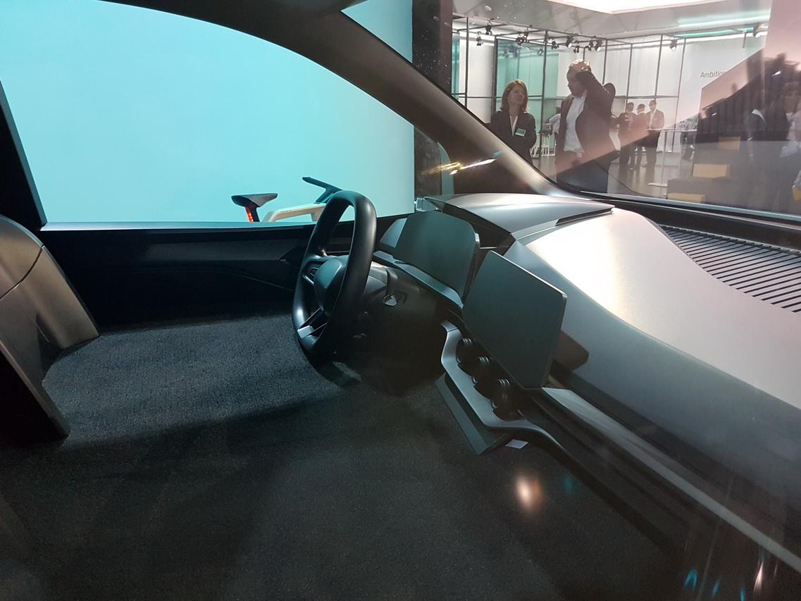 2019 - [Renault] Kangoo Z.E Concept - Page 2 20190423-140123-redimensionner