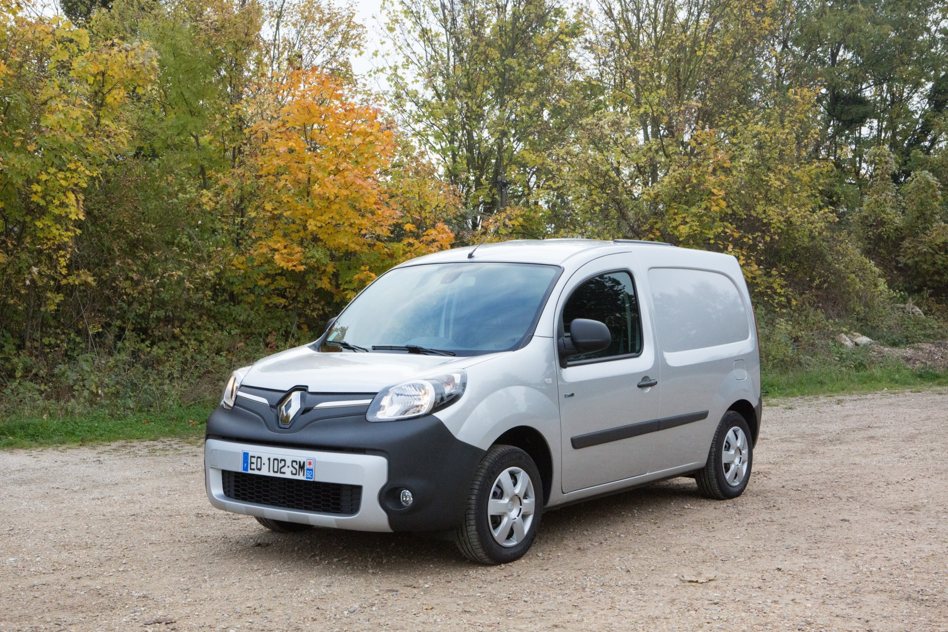 la saga des v hicules utilitaires de renault renault kangoo z e l 39 argus. Black Bedroom Furniture Sets. Home Design Ideas