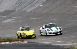 Porsche 911 Carrera 2.7 RS vs 911 R : le match des légendes en images