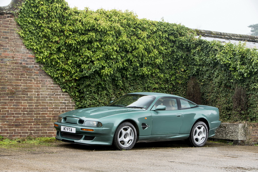 la vente aux ench res bonhams sp cial aston martin en images lot 236 aston martin vantage le. Black Bedroom Furniture Sets. Home Design Ideas