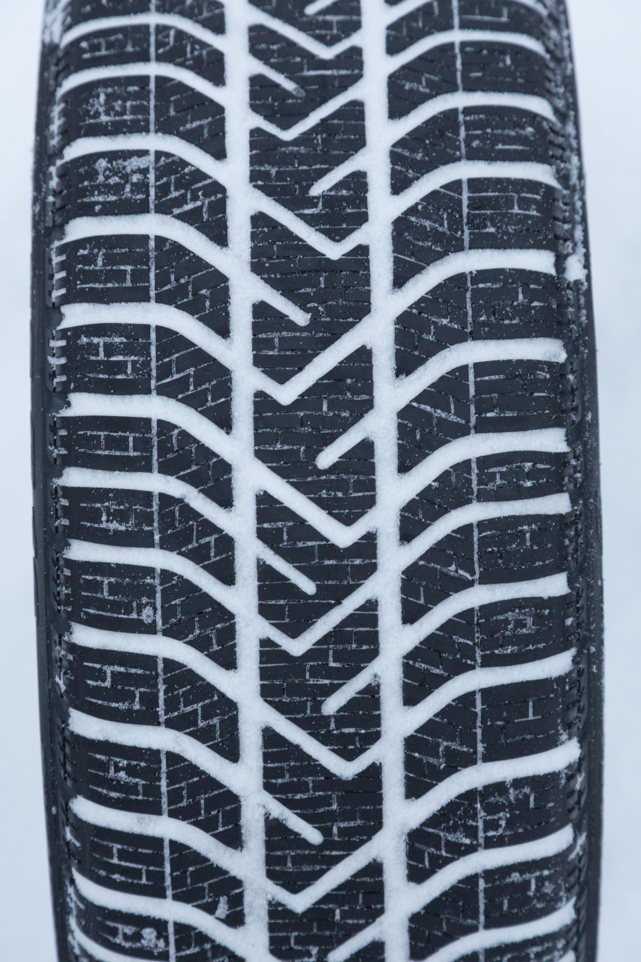 test pneus hiver quel est le meilleur photo 31 l 39 argus. Black Bedroom Furniture Sets. Home Design Ideas