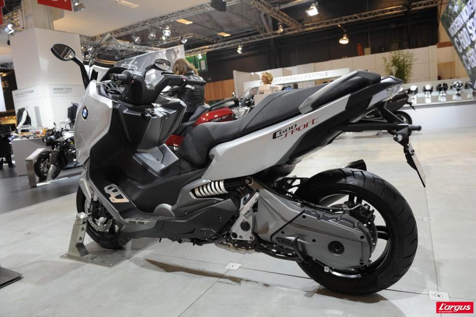 salon de la moto 2011 maxi scooters bmw c 600 sport et c 650 gt photo 2 l 39 argus. Black Bedroom Furniture Sets. Home Design Ideas
