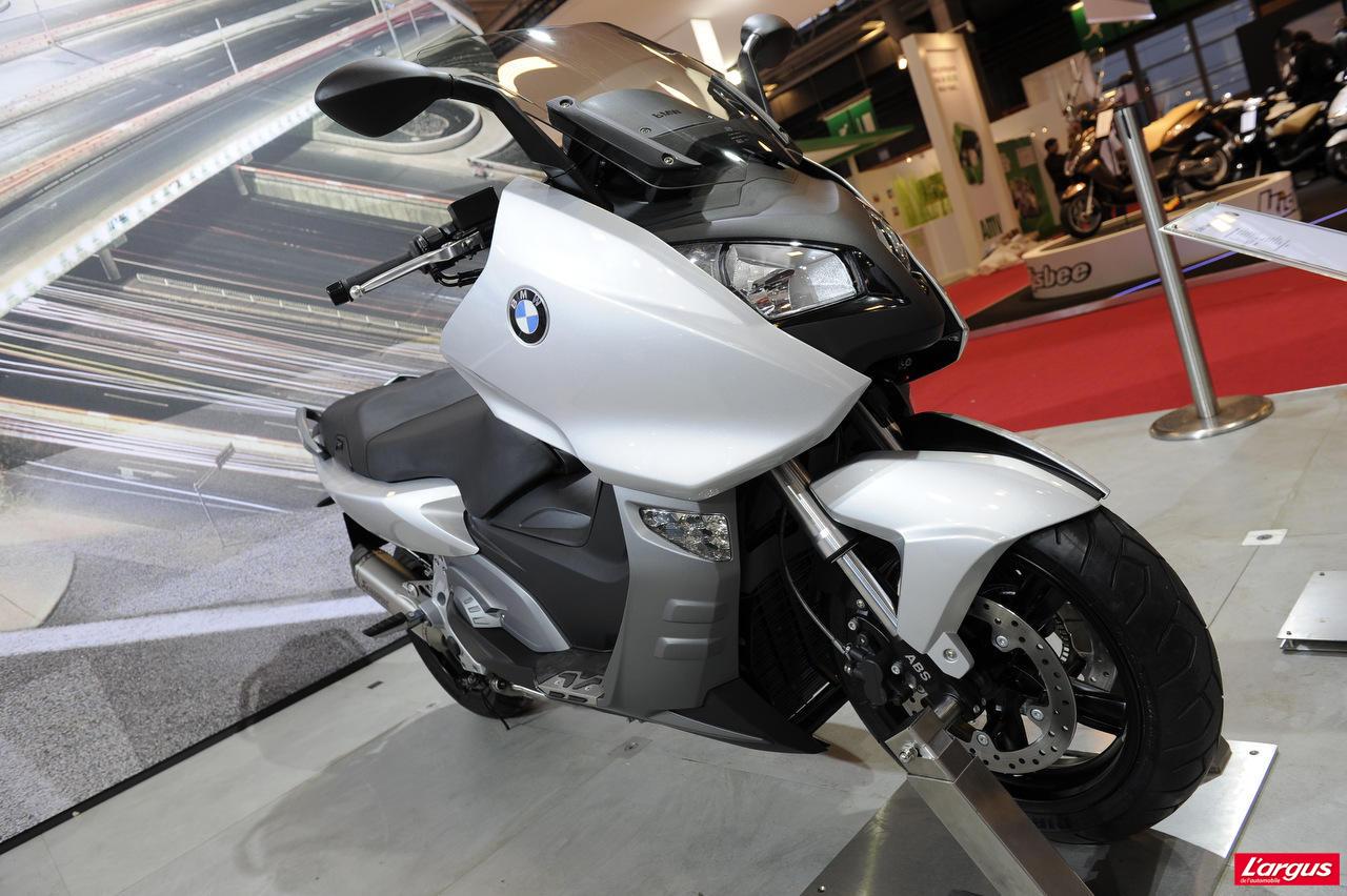salon de la moto 2011 maxi scooters bmw c 600 sport et c 650 gt photo 4 l 39 argus. Black Bedroom Furniture Sets. Home Design Ideas