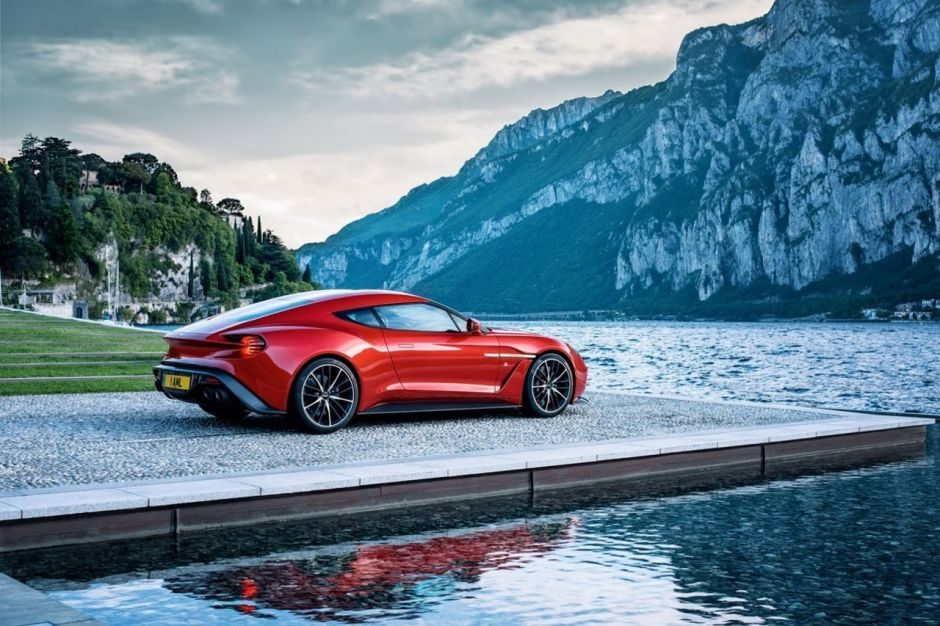en images les voitures vendues 5 exemplaires maxi en 2018 aston martin vanquish zagato. Black Bedroom Furniture Sets. Home Design Ideas