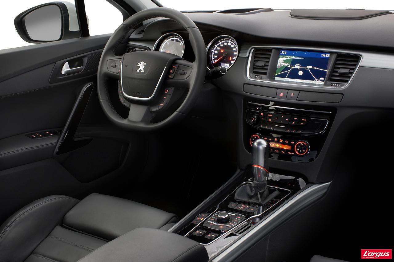 Peugeot 508 tarifs officiels et photos in dites salon for Interieur 508 sw