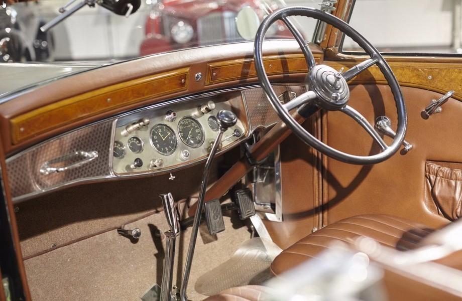 r tromobile 2017 les tr sors de la vente artcurial cadillac v16 convertible victoria 1931. Black Bedroom Furniture Sets. Home Design Ideas
