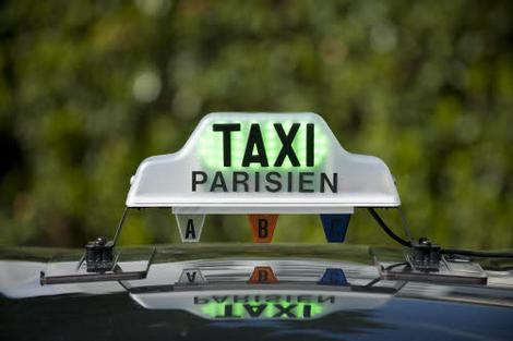 les taxis parisiens manifestent contre le projet autolib 39 l 39 argus. Black Bedroom Furniture Sets. Home Design Ideas