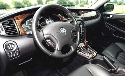 Jaguar x type classique 3 0 bva le fauve solitaire for Interieur jaguar
