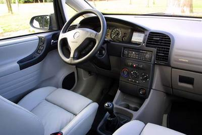 Opel Zafira 2 2 Dti 16v Dvd Voyage En Famille Et En