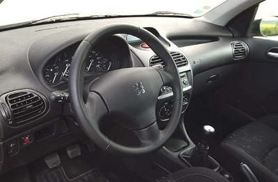 Peugeot 206 SW HDi 90 XS - Skoda Fabia Combi TDI 100 Comfort : ces ...