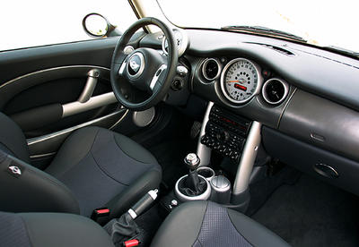 mini cooper s jcw esprit es tu l photo 3 l 39 argus. Black Bedroom Furniture Sets. Home Design Ideas