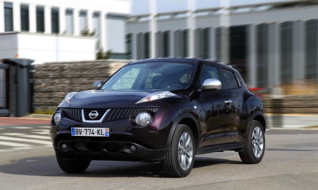 nissan juke i f15 laquelle choisir. Black Bedroom Furniture Sets. Home Design Ideas