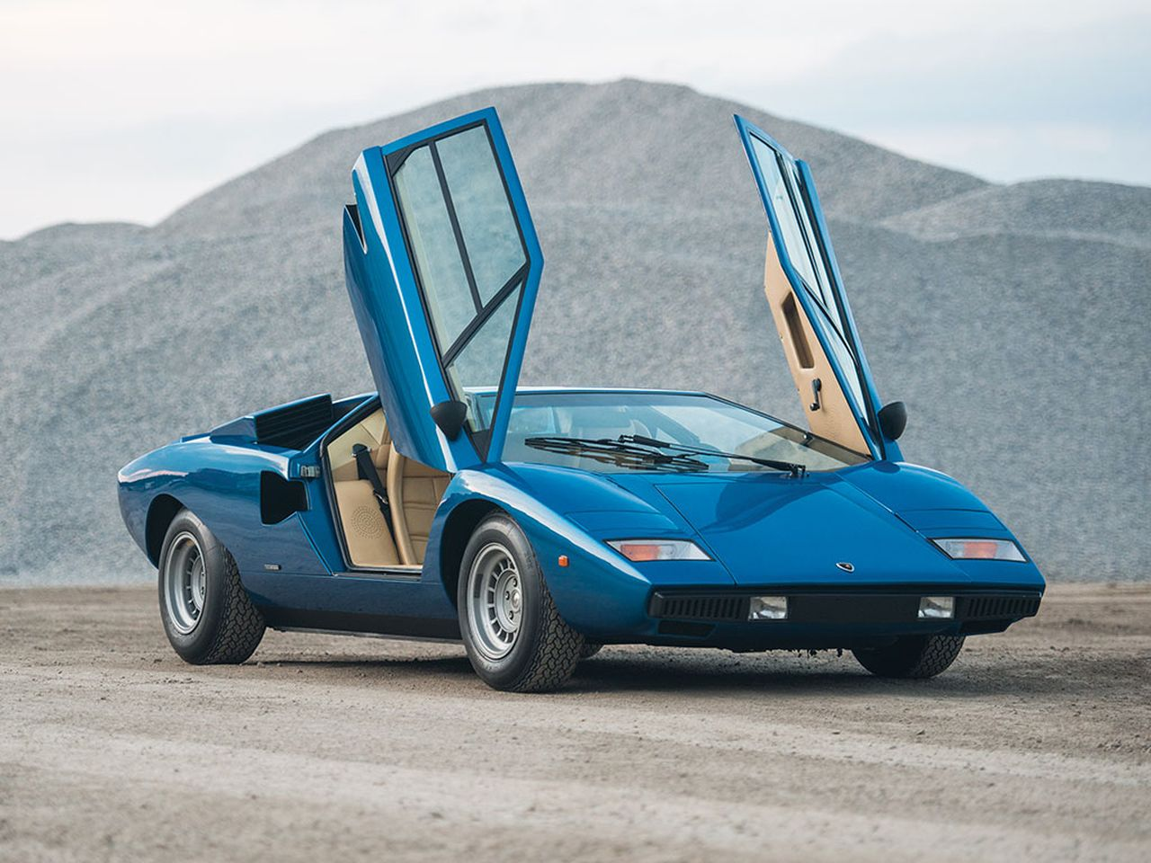ench res le top 30 de la vente rm sotheby 39 s monterey 2017 1976 lamborghini countach lp 400. Black Bedroom Furniture Sets. Home Design Ideas