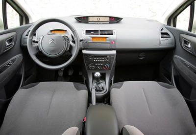 Citroen C4 1 6 Hdi 92 Renault Megane 1 5 Dci Tetes De Liste Photo 2 L Argus