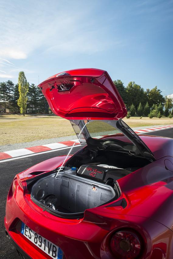 Alfa Romeo 4c >> L'Alfa Romeo 4C à l'essai ! - L'argus