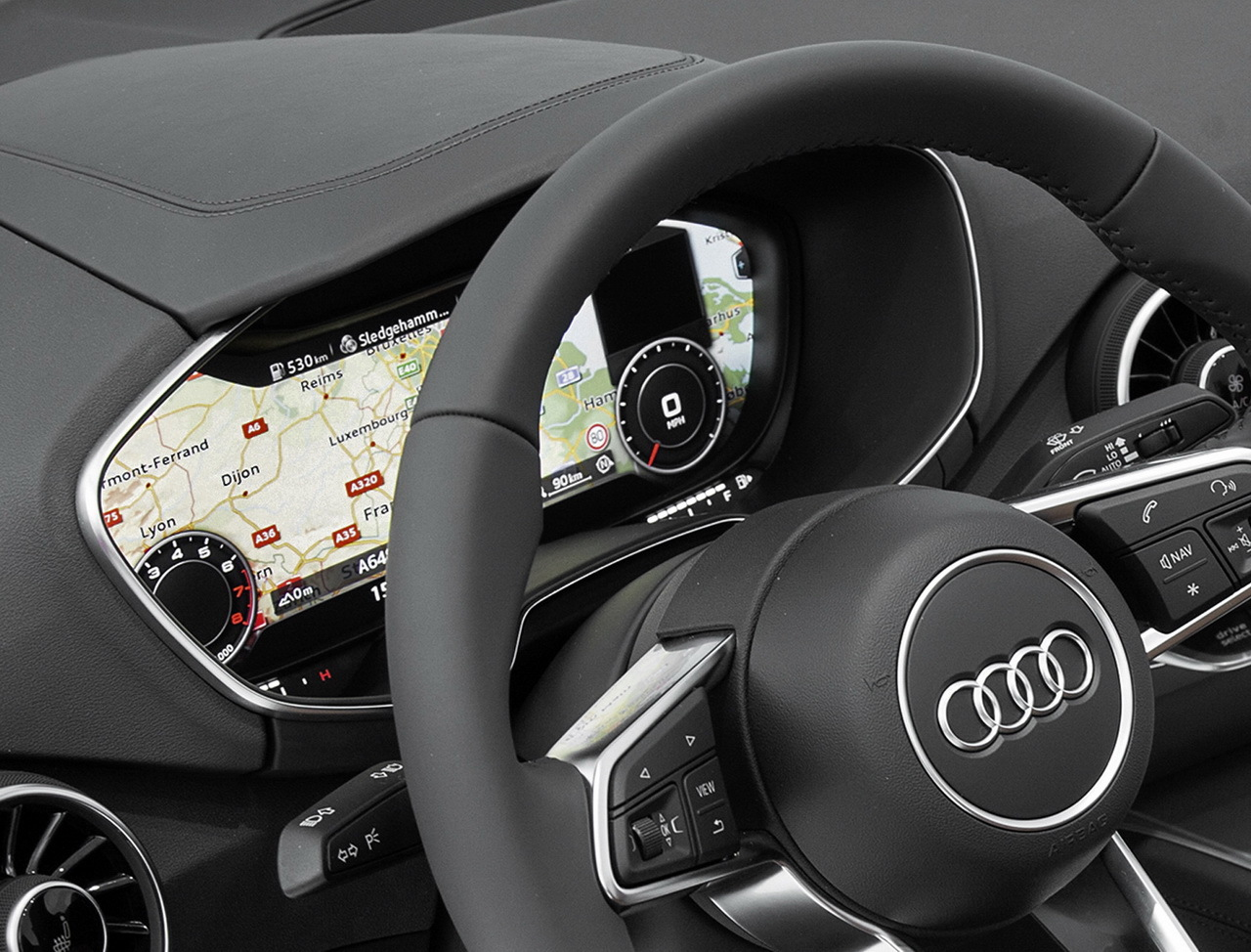 Photo audi tt 2014 d couvrez d j l 39 int rieur l 39 argus for Audi 80 interieur