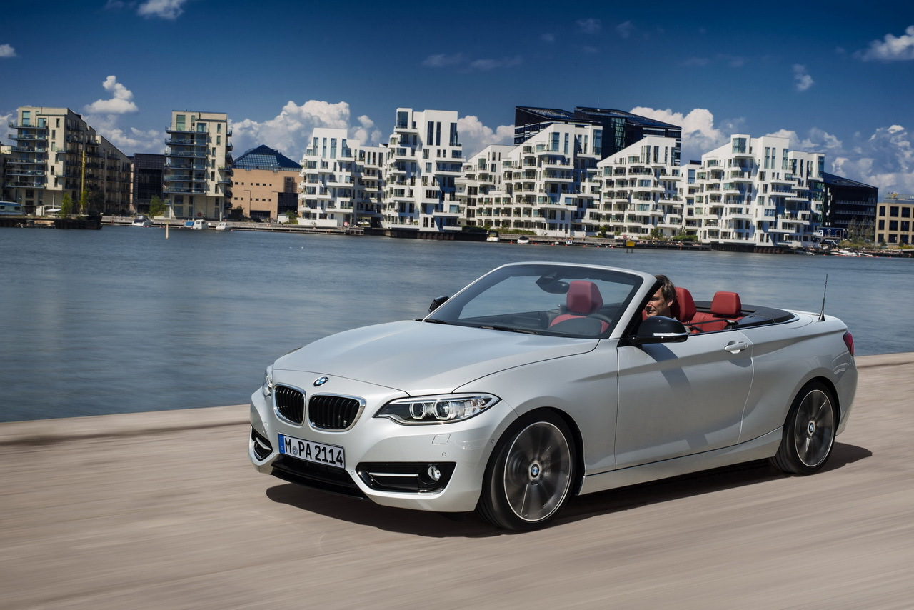 la bmw s rie 2 coup passe en mode cabriolet l 39 argus. Black Bedroom Furniture Sets. Home Design Ideas