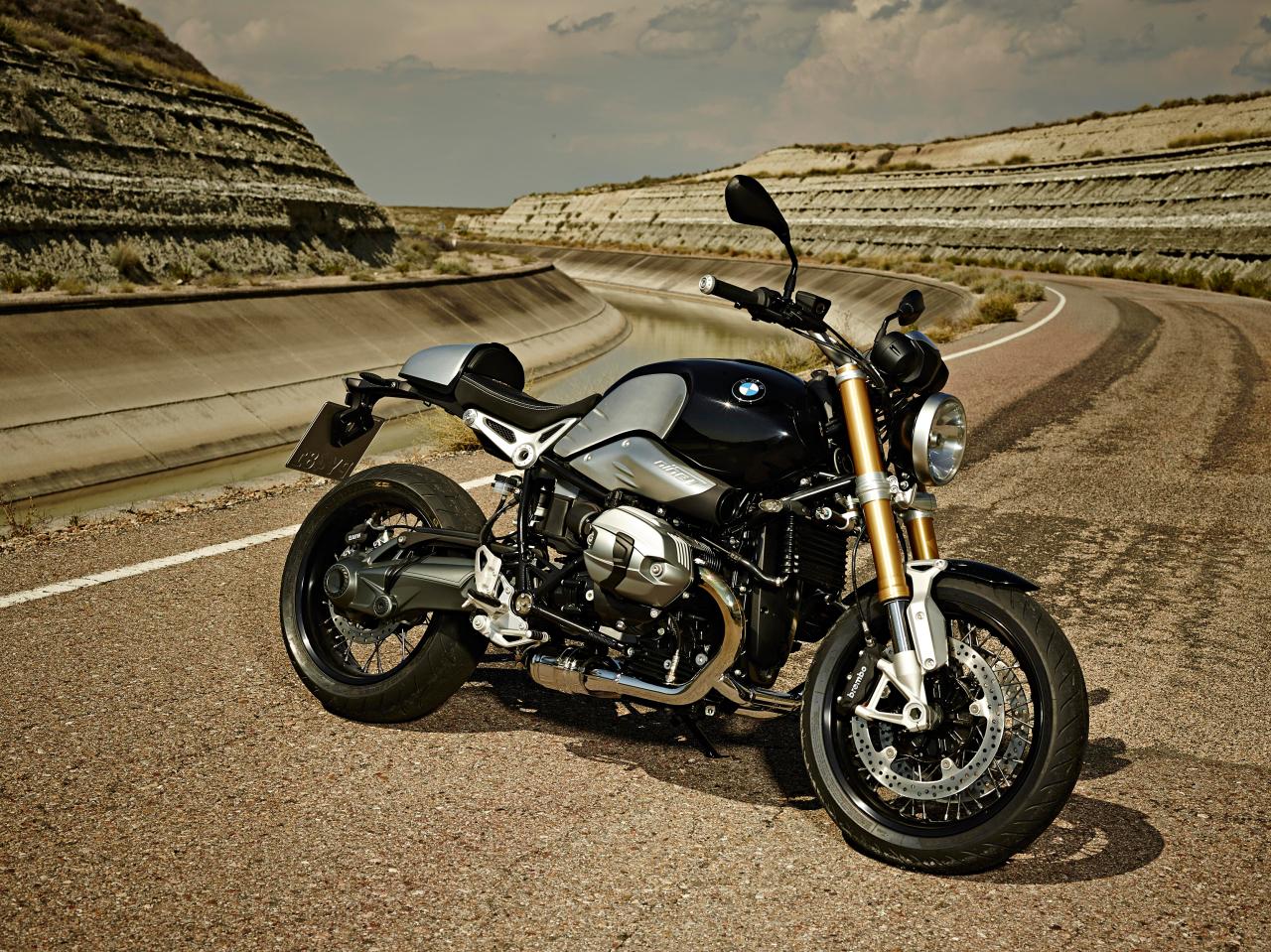 le salon de la moto 2013 l 39 argus. Black Bedroom Furniture Sets. Home Design Ideas