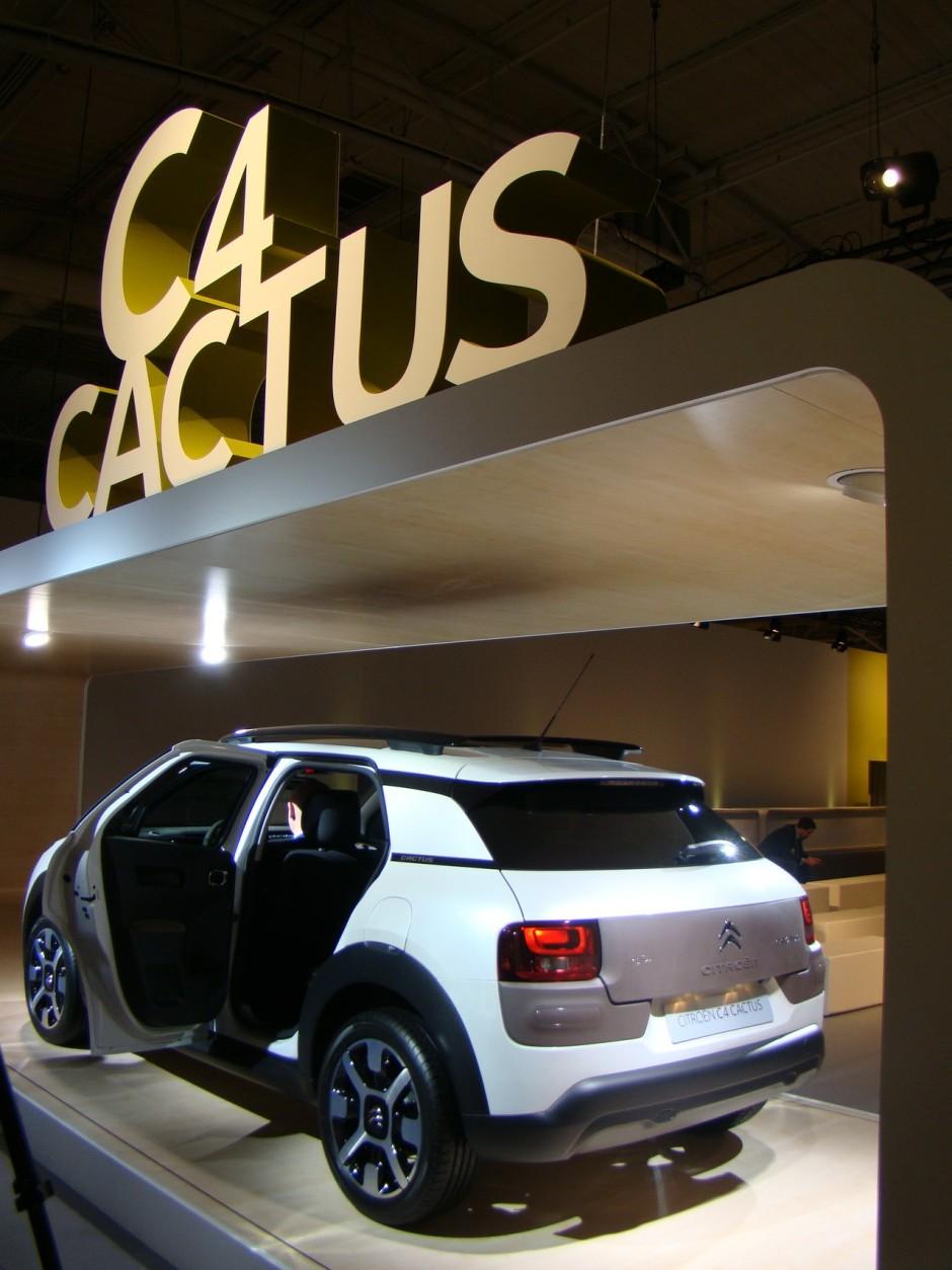 citro n c4 cactus 2014 l 39 essentiel c 39 est le confort photo 27 l 39 argus. Black Bedroom Furniture Sets. Home Design Ideas