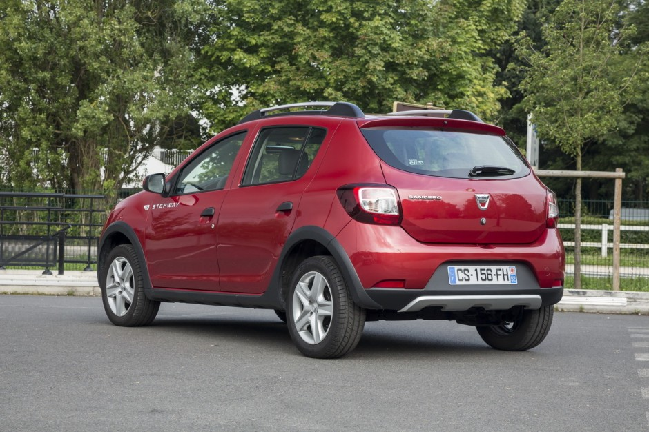 essai comparatif citro n c4 cactus vs dacia sandero stepway photo 65 l 39 argus. Black Bedroom Furniture Sets. Home Design Ideas