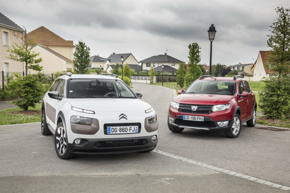 essai comparatif citro n c4 cactus vs dacia sandero stepway photo 1 l 39 argus. Black Bedroom Furniture Sets. Home Design Ideas