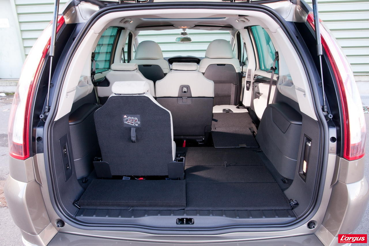 le nouveau zafira tourer affronte le grand c4 picasso l 39 argus. Black Bedroom Furniture Sets. Home Design Ideas