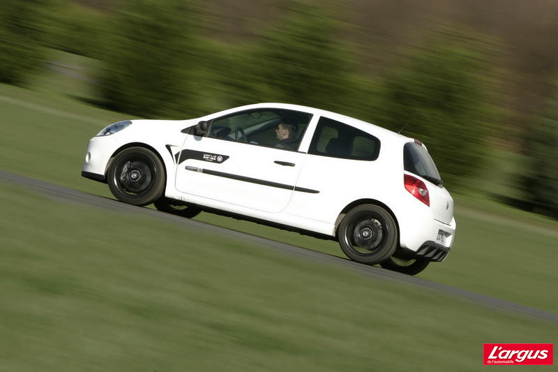 renault clio rs wsr l 39 argus. Black Bedroom Furniture Sets. Home Design Ideas