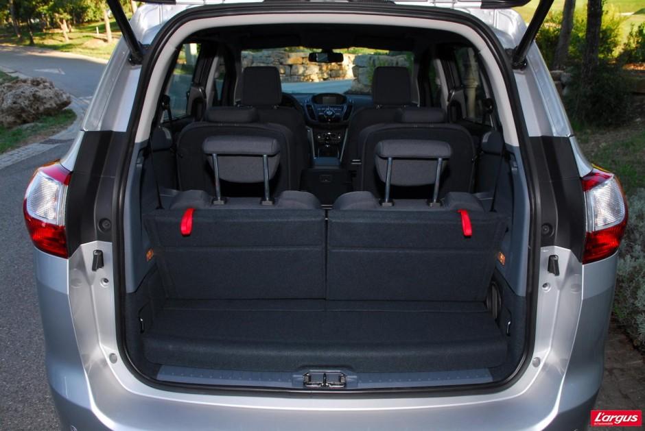 le ford c max voit grand pour offrir sept places photo. Black Bedroom Furniture Sets. Home Design Ideas
