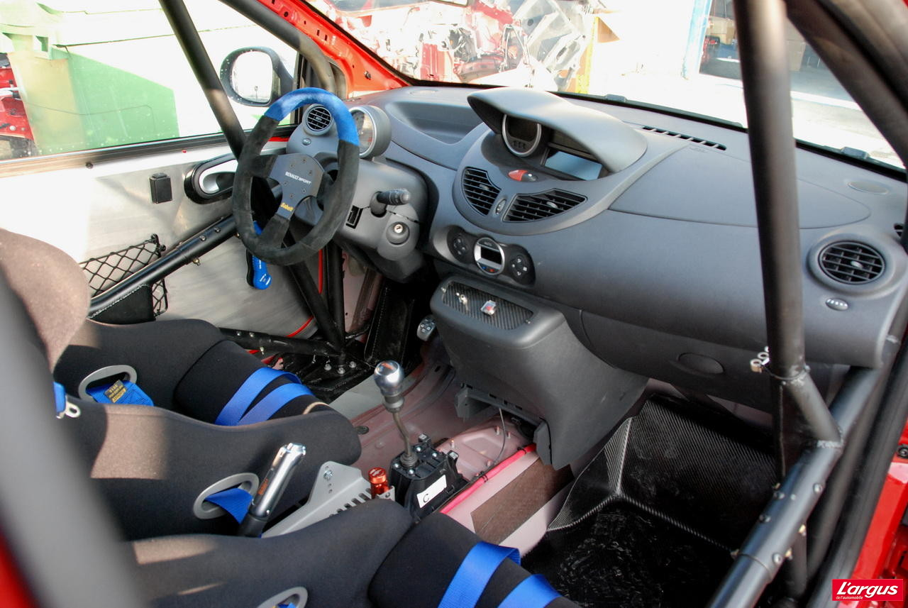 dossier d buter en rallye en renault twingo r1 l 39 argus. Black Bedroom Furniture Sets. Home Design Ideas