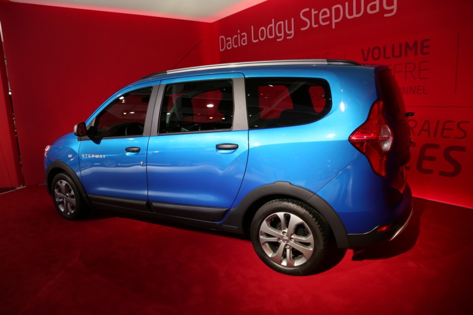 dacia lodgy stepway 7 places pour l 39 aventure photo 13 l 39 argus. Black Bedroom Furniture Sets. Home Design Ideas