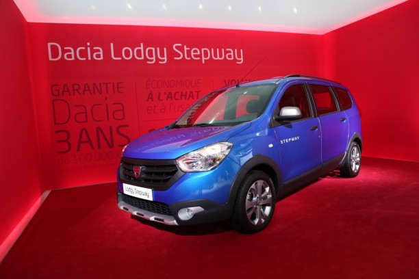 dacia lodgy stepway 7 places pour l 39 aventure l 39 argus. Black Bedroom Furniture Sets. Home Design Ideas