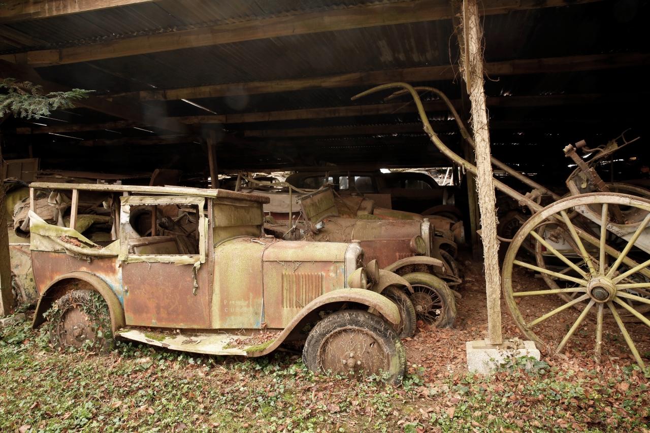 voitures anciennes un tr sor cach vendu aux ench res photo 8 l 39 argus. Black Bedroom Furniture Sets. Home Design Ideas