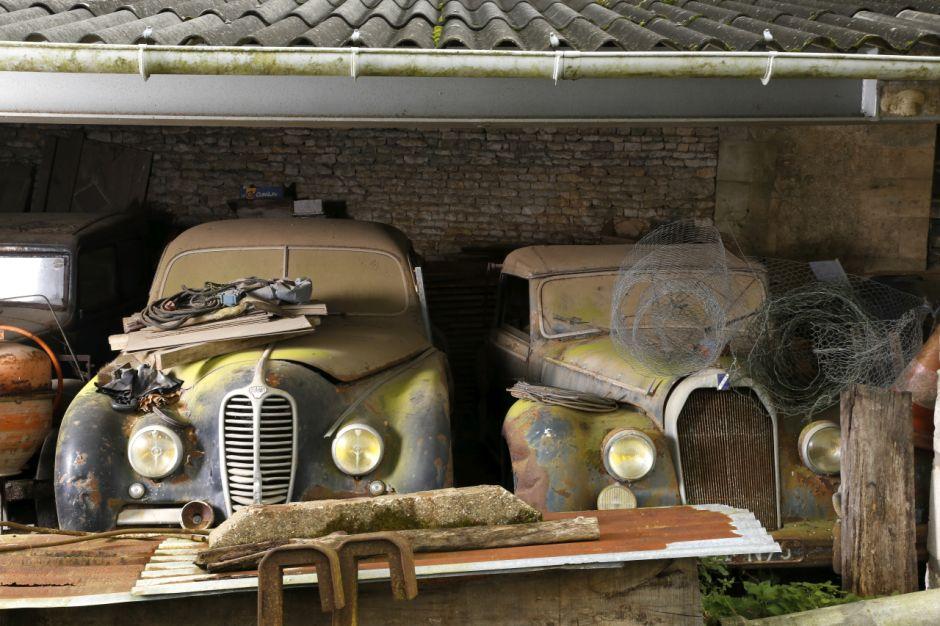 voitures anciennes un tr sor cach vendu aux ench res photo 16 l 39 argus. Black Bedroom Furniture Sets. Home Design Ideas