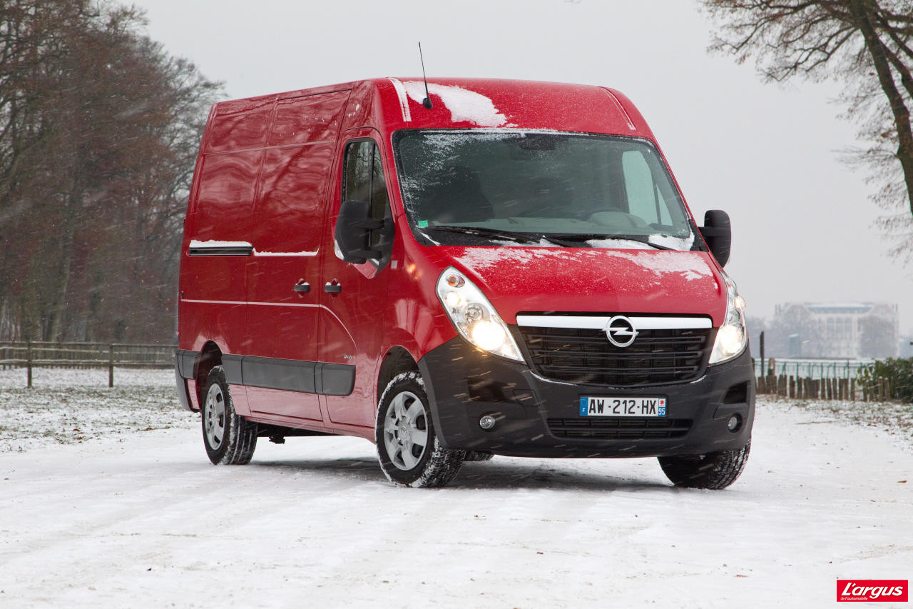 le renault master lu utilitaire de l 39 ann e photo 11 l 39 argus. Black Bedroom Furniture Sets. Home Design Ideas