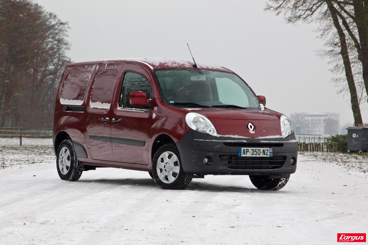 le renault master lu utilitaire de l 39 ann e photo 20 l 39 argus. Black Bedroom Furniture Sets. Home Design Ideas