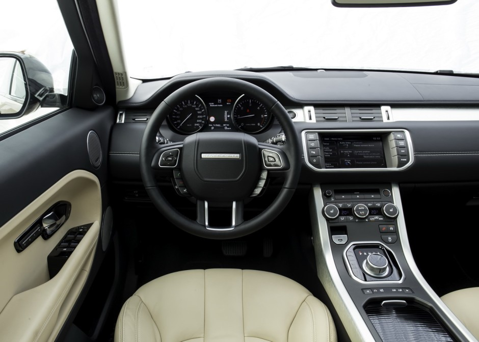 range rover evoque sd4 bva9 2014 mise neuf photo 9 l 39 argus. Black Bedroom Furniture Sets. Home Design Ideas