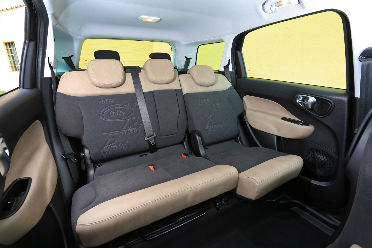fiat 500l living face au lodgy et l 39 altea photo 14 l 39 argus. Black Bedroom Furniture Sets. Home Design Ideas