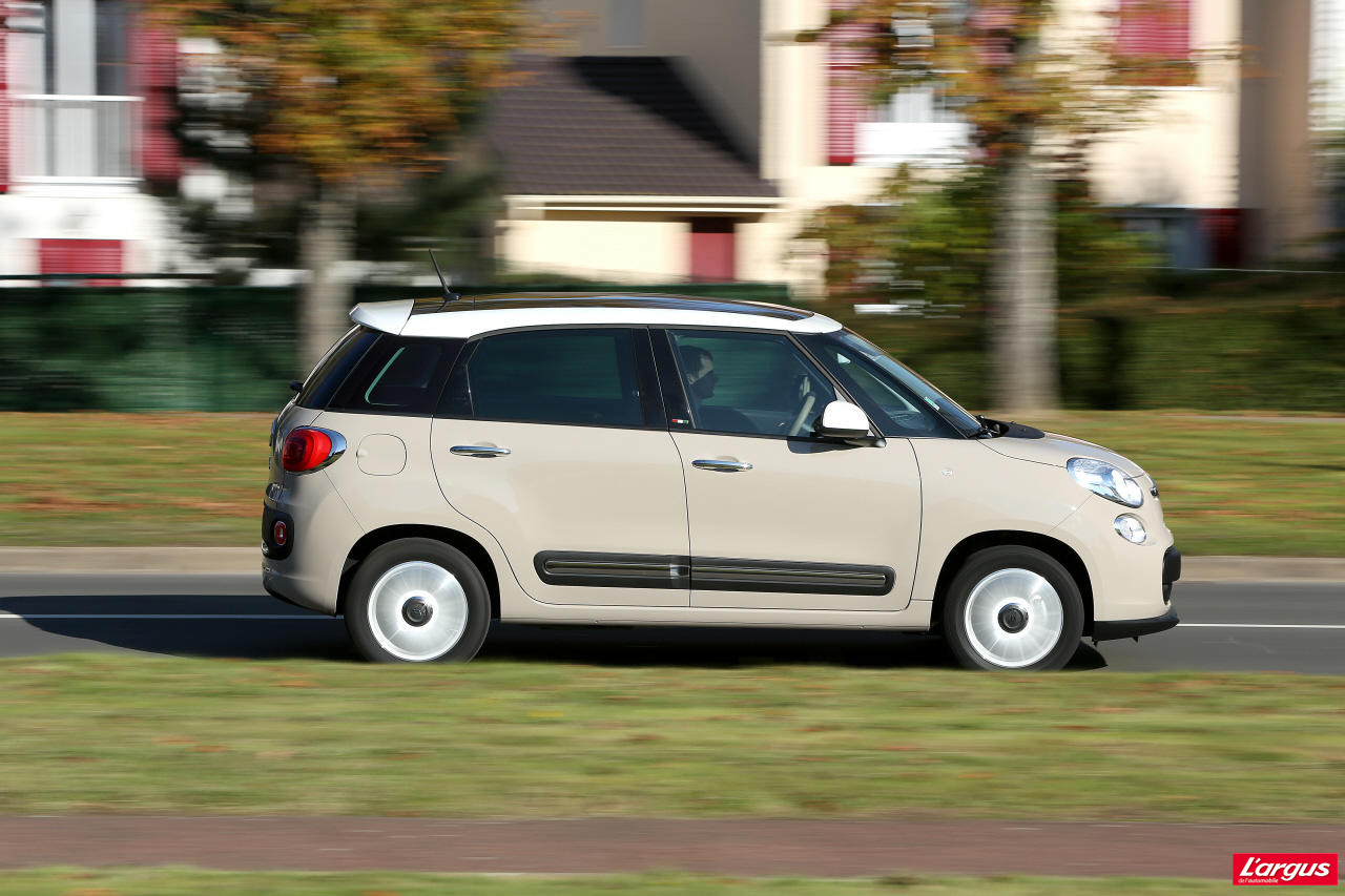la fiat 500l face 4 concurrentes l 39 argus. Black Bedroom Furniture Sets. Home Design Ideas