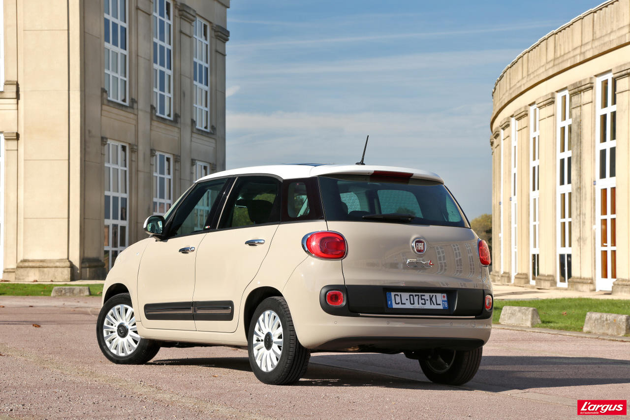 la fiat 500l face 4 concurrentes photo 12 l 39 argus. Black Bedroom Furniture Sets. Home Design Ideas