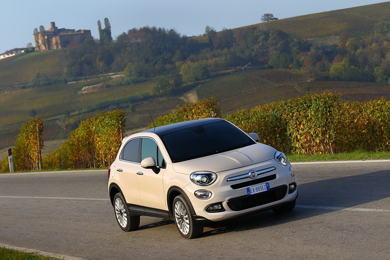 la nouvelle fiat 500x fait sa tourn e fiat auto. Black Bedroom Furniture Sets. Home Design Ideas