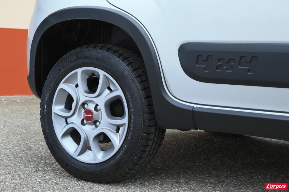 Essai panda 4x4 essai fiat panda 4x4 12 le blog auto for Garage peugeot les mureaux