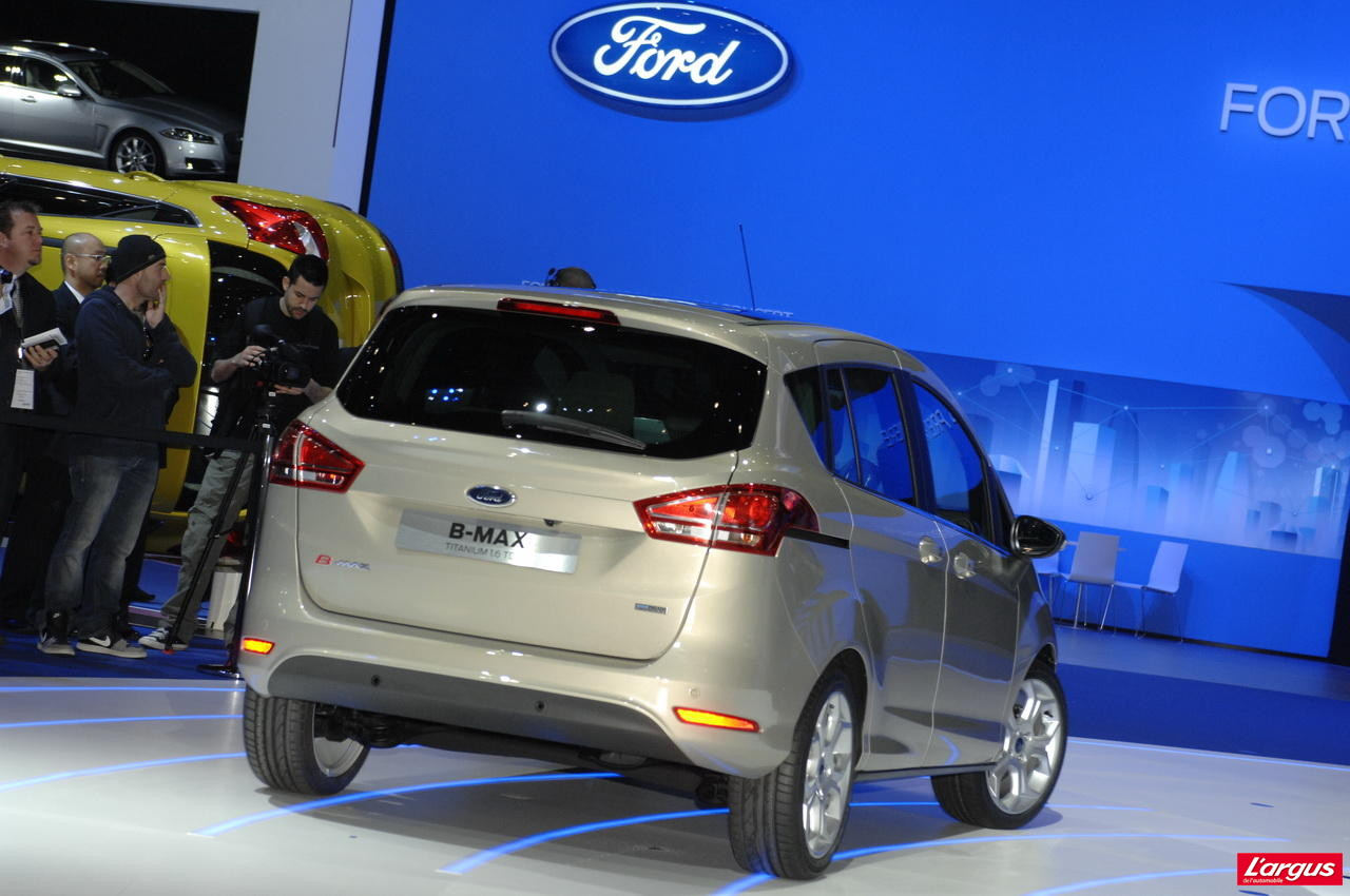 Ford b max op ration portes ouvertes salon de gen ve 2012 for Porte ouverte patrouille de france salon