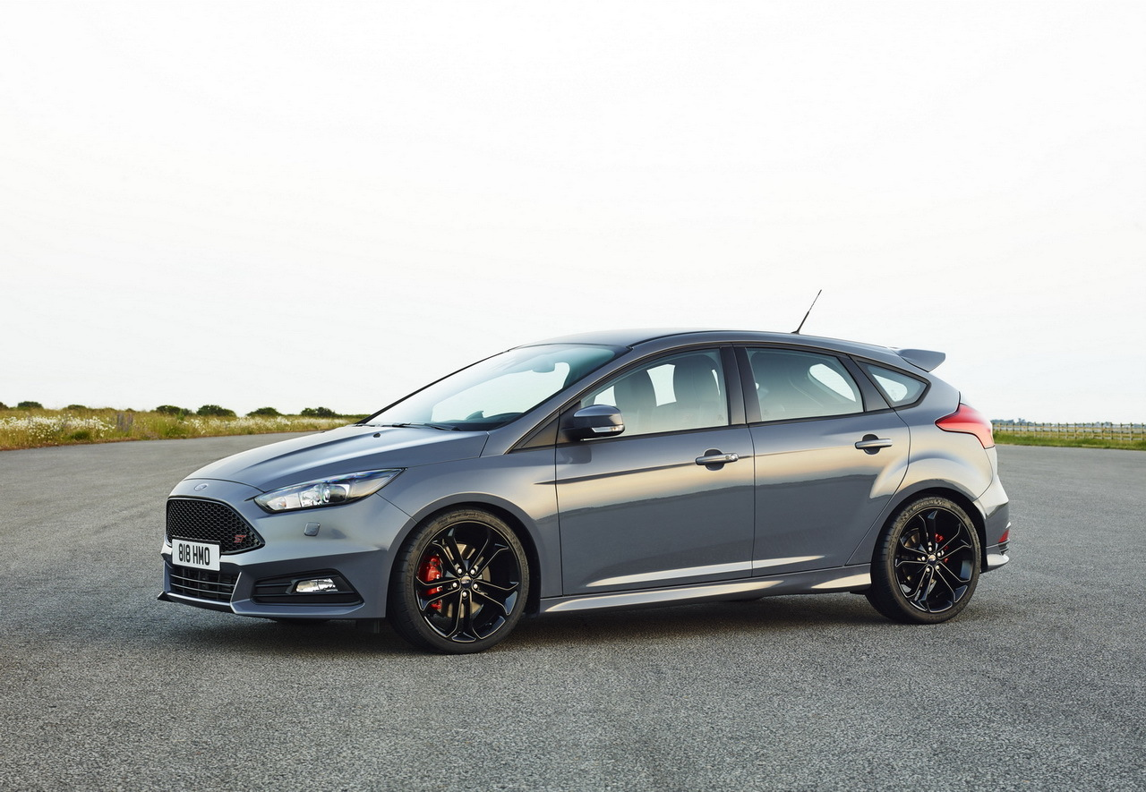ford focus st 2014 un restylage et une nouvelle version diesel photo 9 l 39 argus. Black Bedroom Furniture Sets. Home Design Ideas