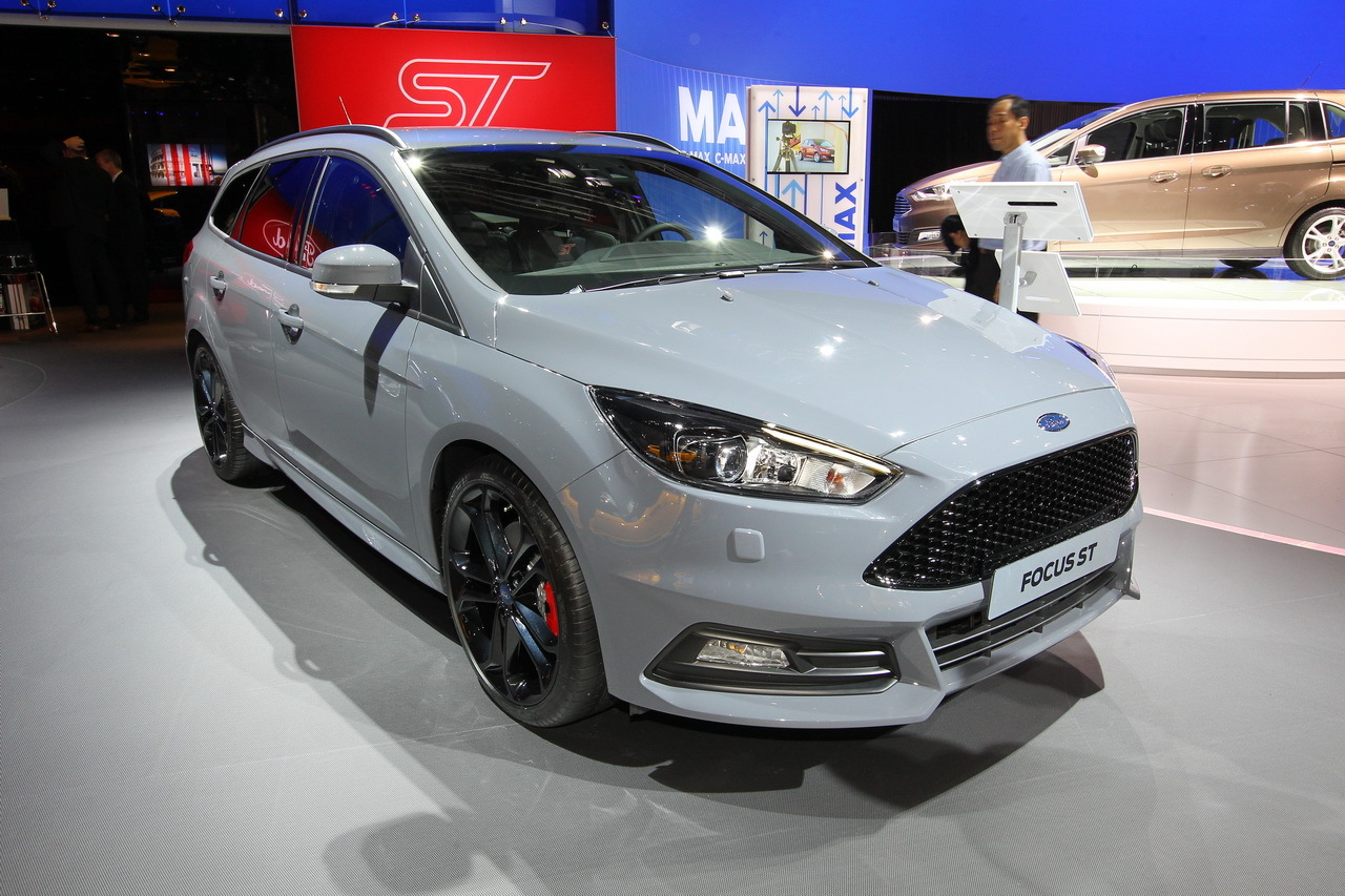 mondial auto 2014 ford focus st sw photo 1 l 39 argus. Black Bedroom Furniture Sets. Home Design Ideas