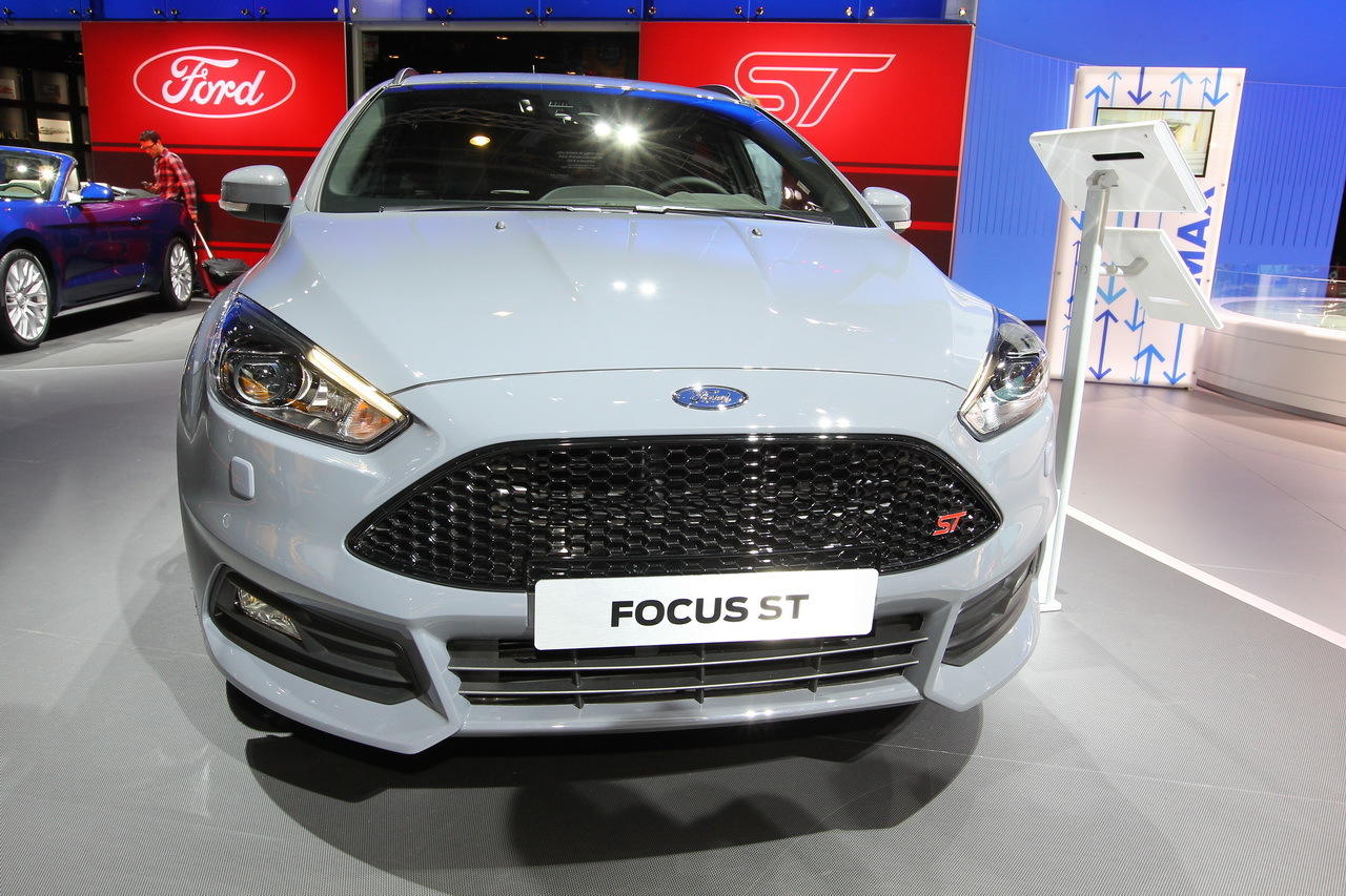 mondial auto 2014 ford focus st sw photo 2 l 39 argus. Black Bedroom Furniture Sets. Home Design Ideas