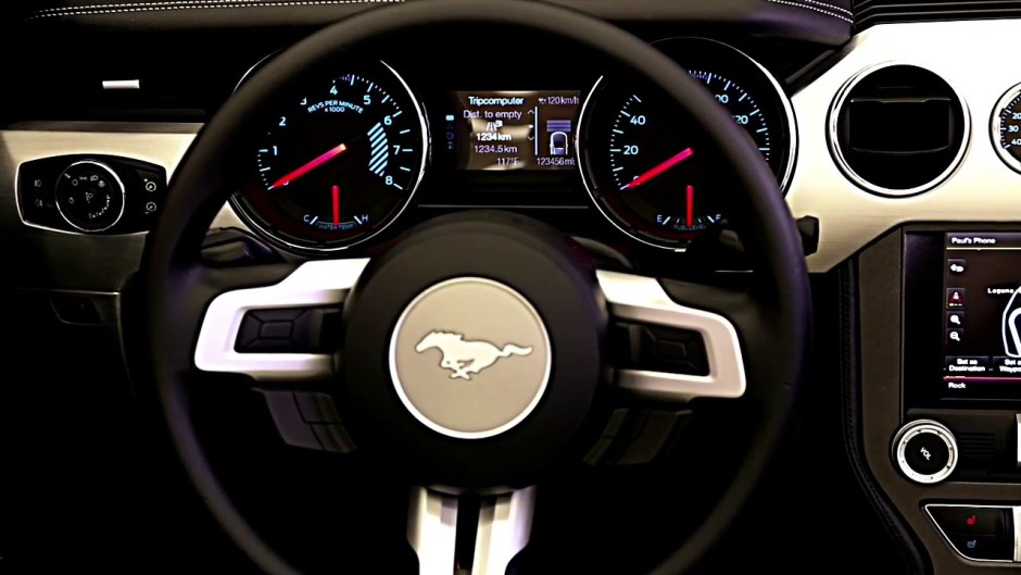 ford mustang 2015 retour du moteur 4 cylindres photo 4 l 39 argus. Black Bedroom Furniture Sets. Home Design Ideas
