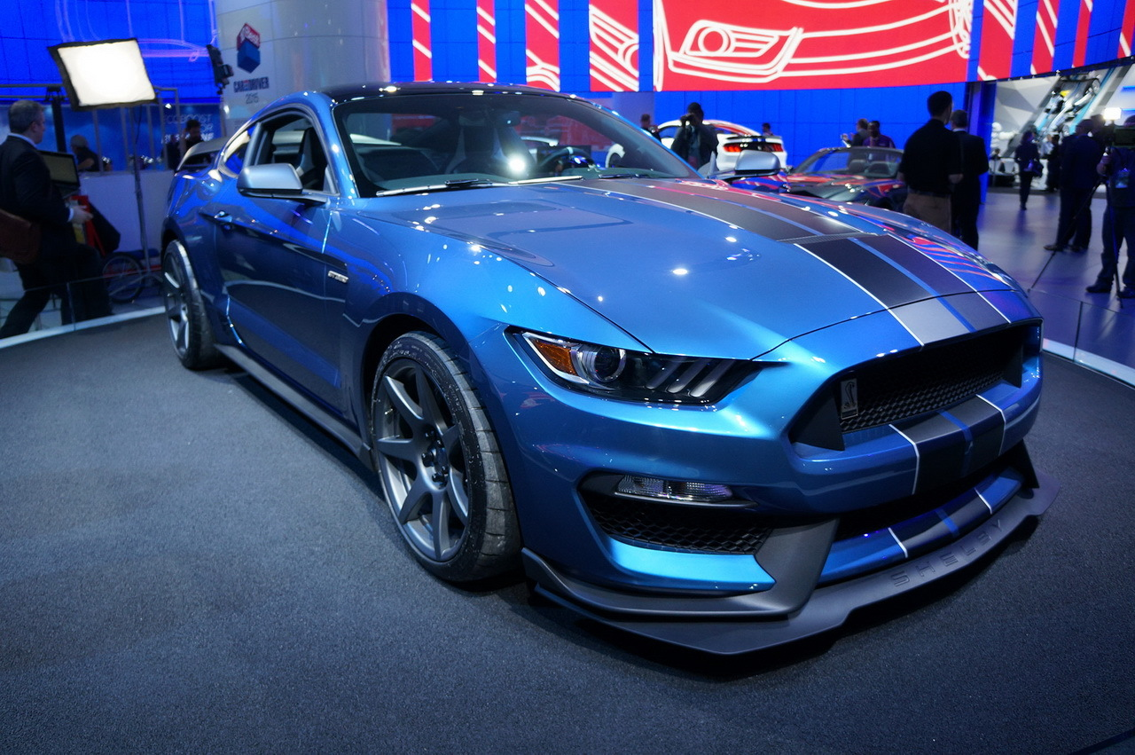 en direct de detroit 2015 ford shelby gt350r mustang l 39 argus. Black Bedroom Furniture Sets. Home Design Ideas
