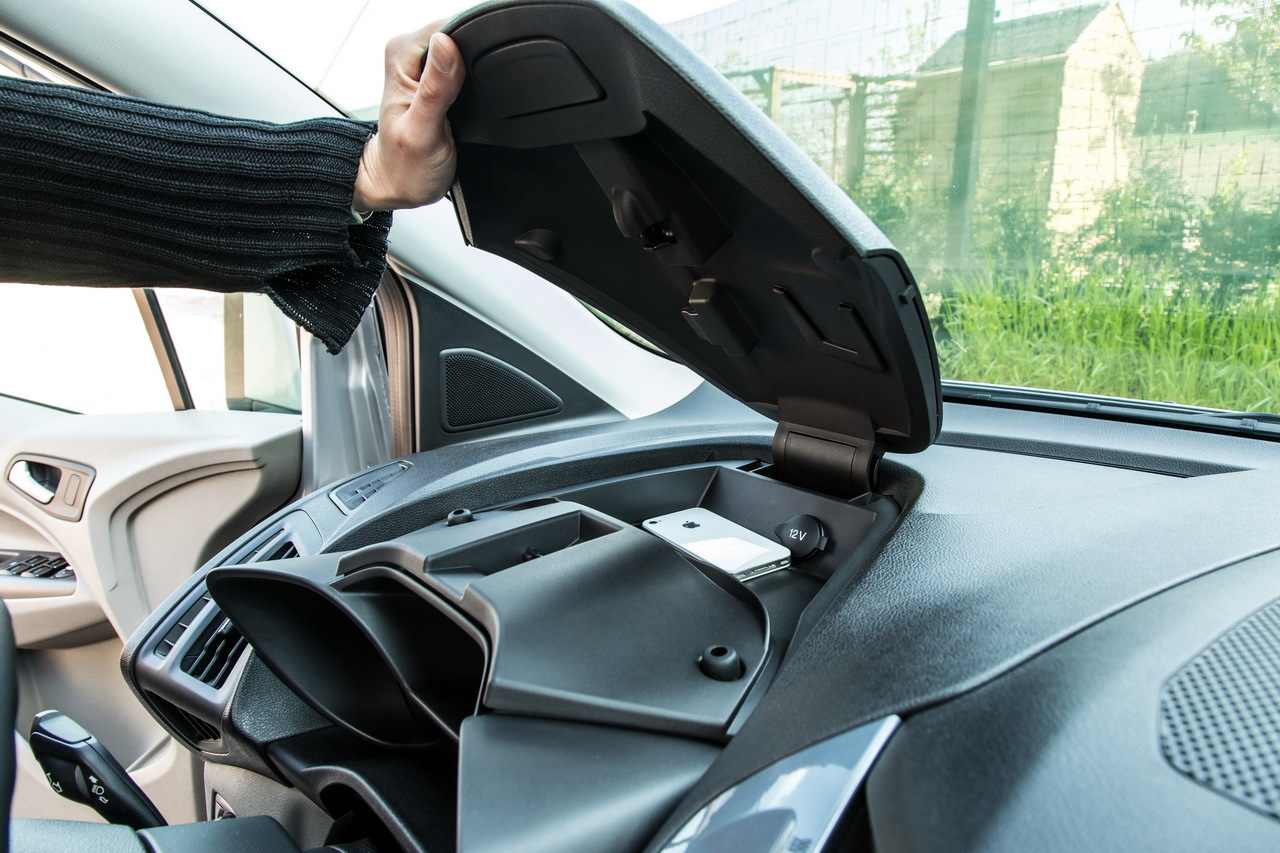 essai ford grand tourneo connect ludospace 7 places photo 26 l 39 argus. Black Bedroom Furniture Sets. Home Design Ideas